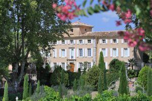 Chateau-Pesquie-home